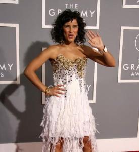 Grammy Awards Fug Carpet: Nelly Furtado