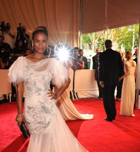 Met Ball Unfug It Up Carpet: Joy Bryant