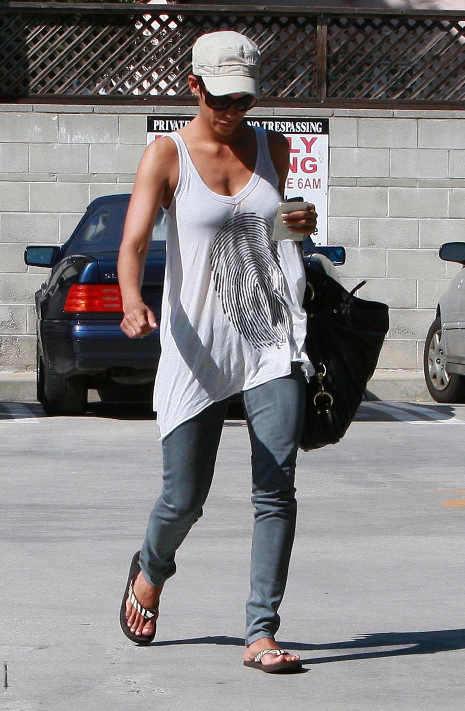 Halle Berry And Olivier Martinez At A Medical Clinic In West Hollywood