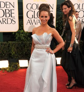 Golden Globes Fug or Fab Carpet: Jennifer Love Hewitt