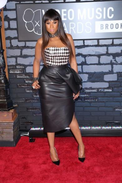 VMAs Fug Carpet: Jennifer Hudson