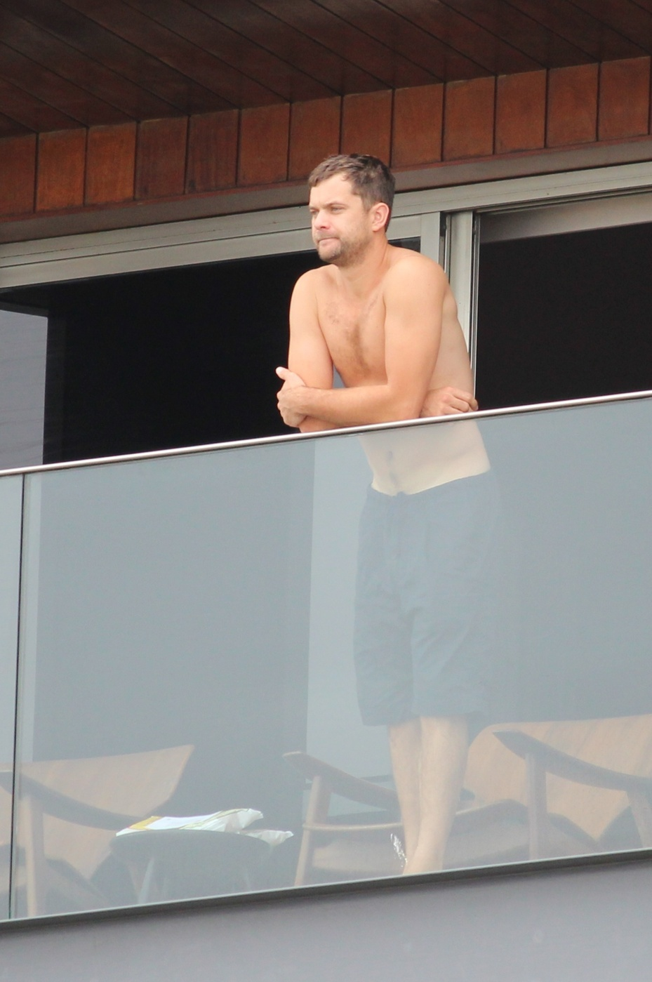 Joshua Jackson seen shirtless and in a very relaxed mood at the balcony of thier hotel in Rio de Janeiro