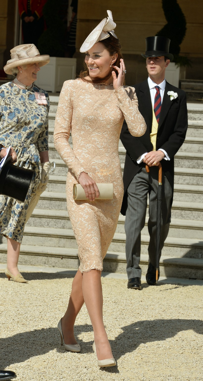 Kate Middleton Wears McQueen at Buckingplace Garden Party for Prince Philip's Birthday (2)