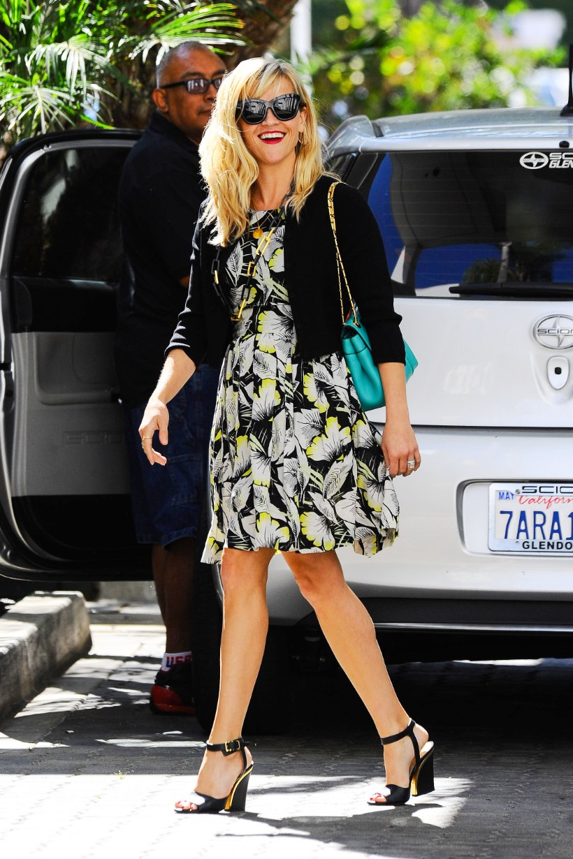 Reese-Witherspoon-Street-Style (7)