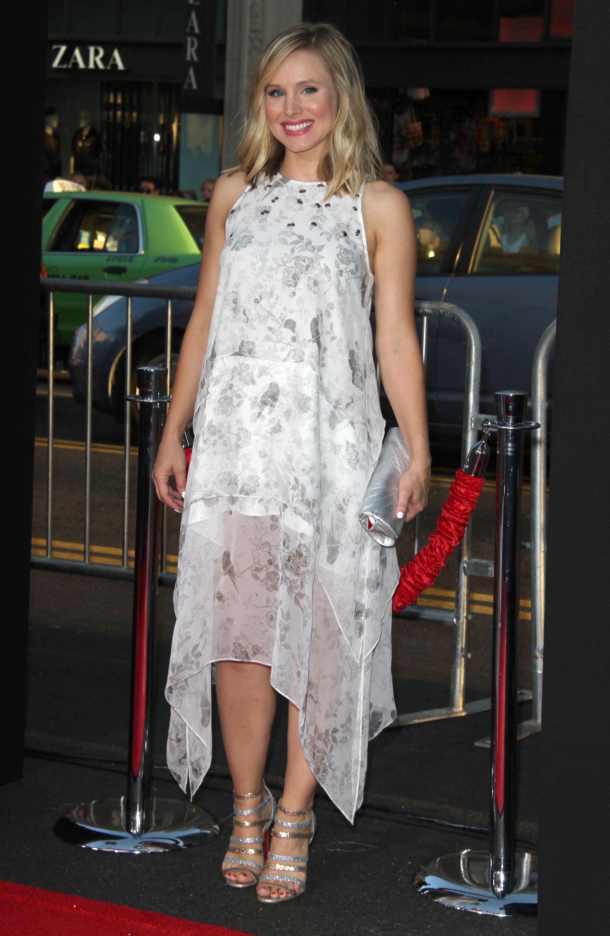 Fug or Fab: Kristen Bell in Elizabeth and James
