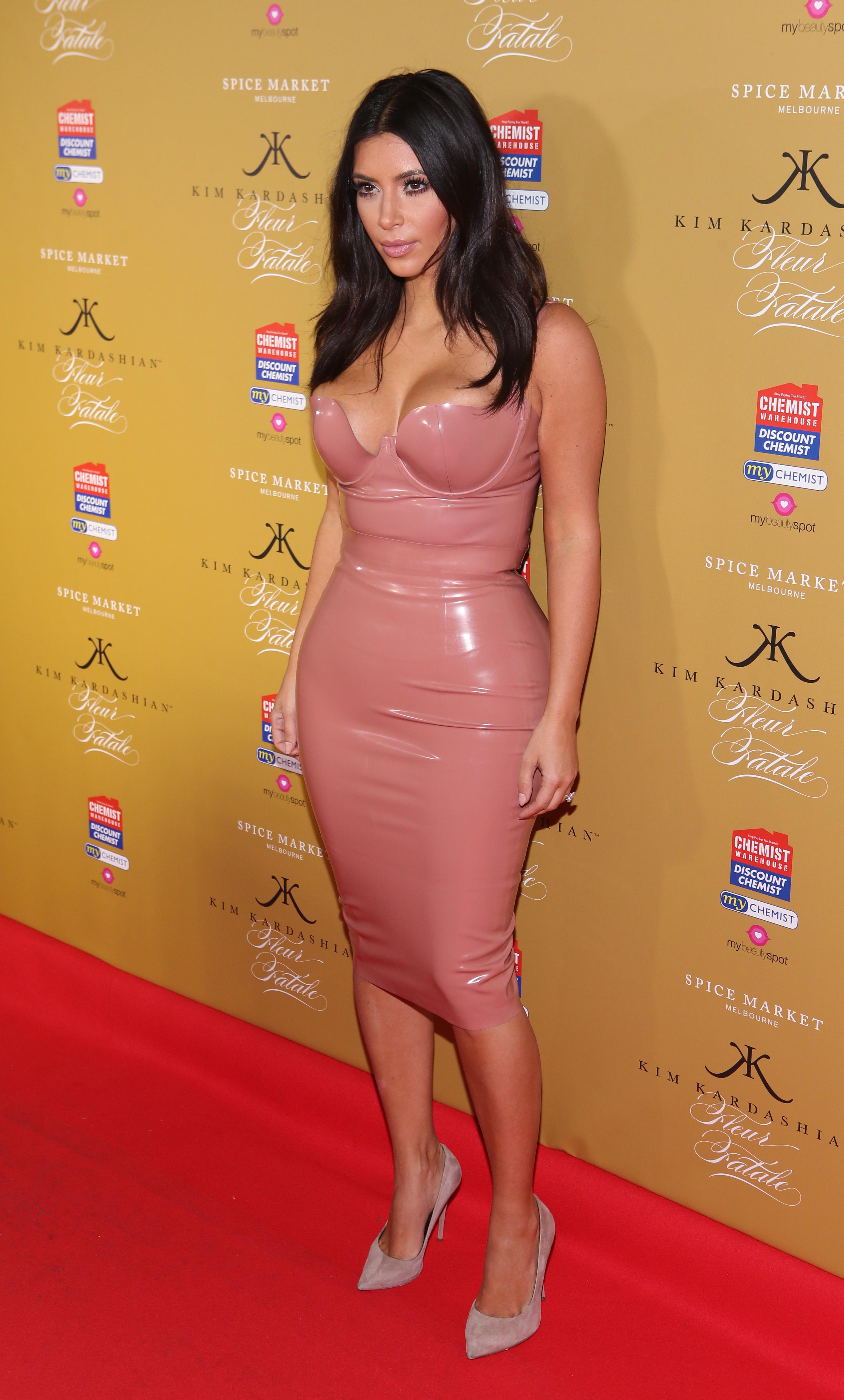 WTF: Kim Kardashian - Go Fug Yourself