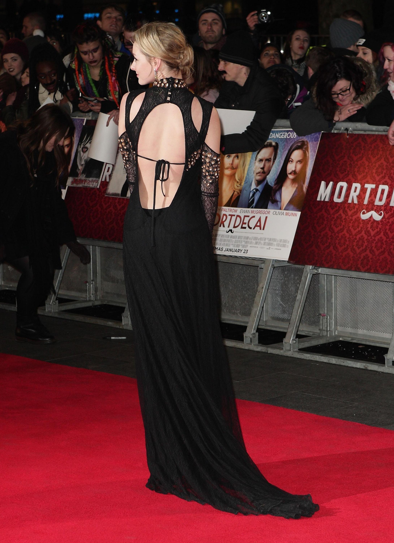 Dakota Blue Richards London mortdecai premiere