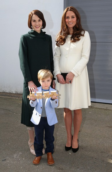 Duchess-Kate-Visits-Downton