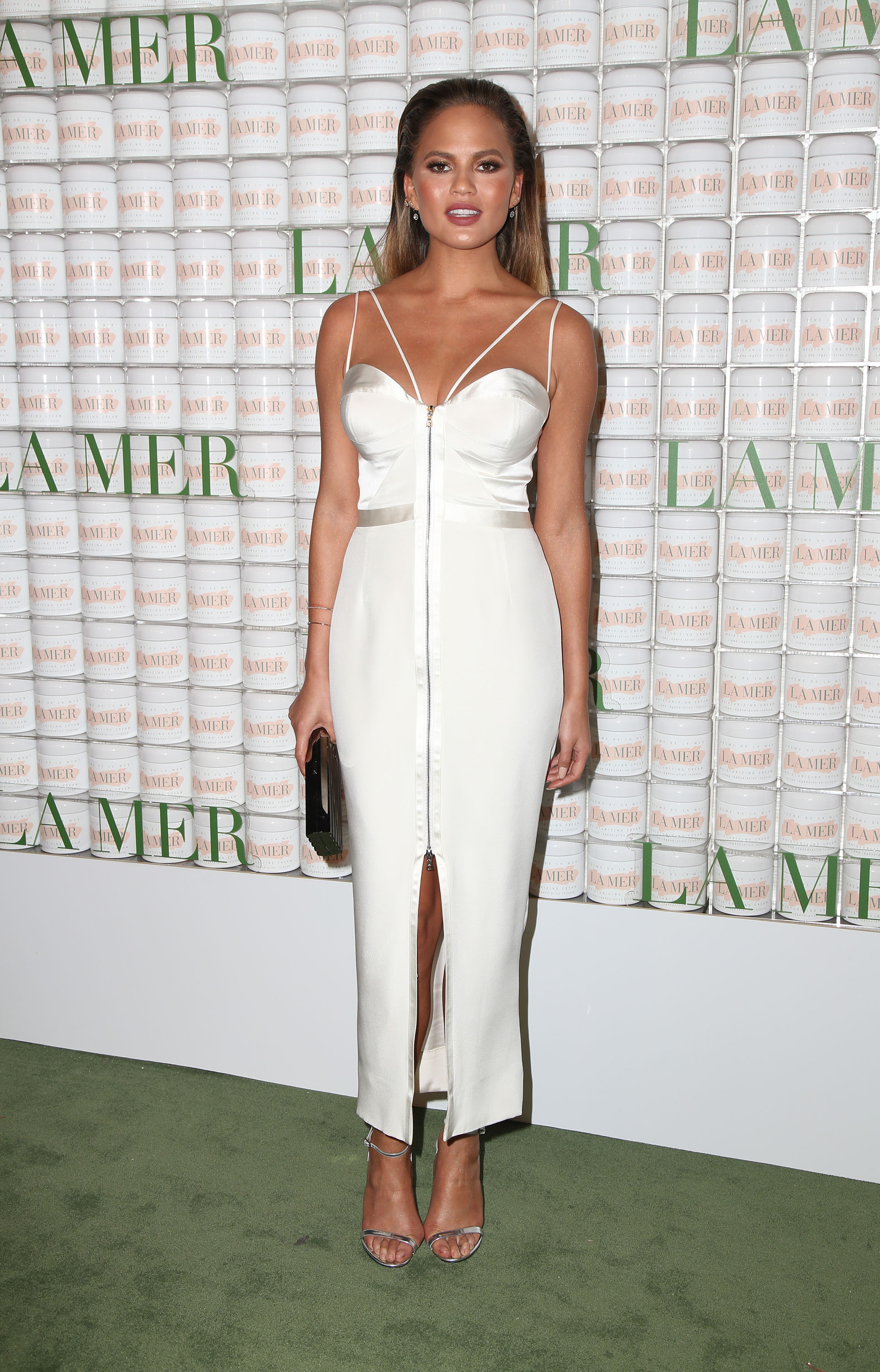 Unfug It Up: Chrissy Teigen in Kayat
