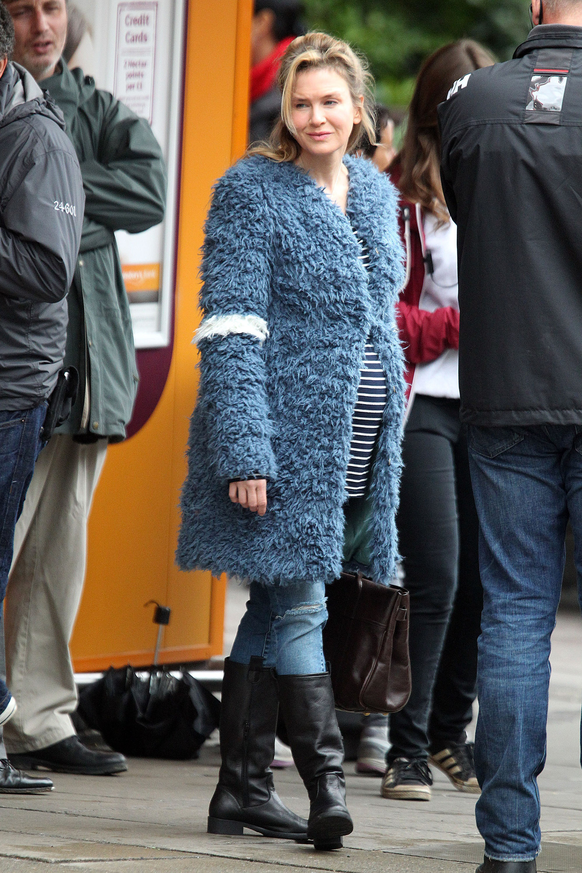 Bridget jones renee zellweger on set