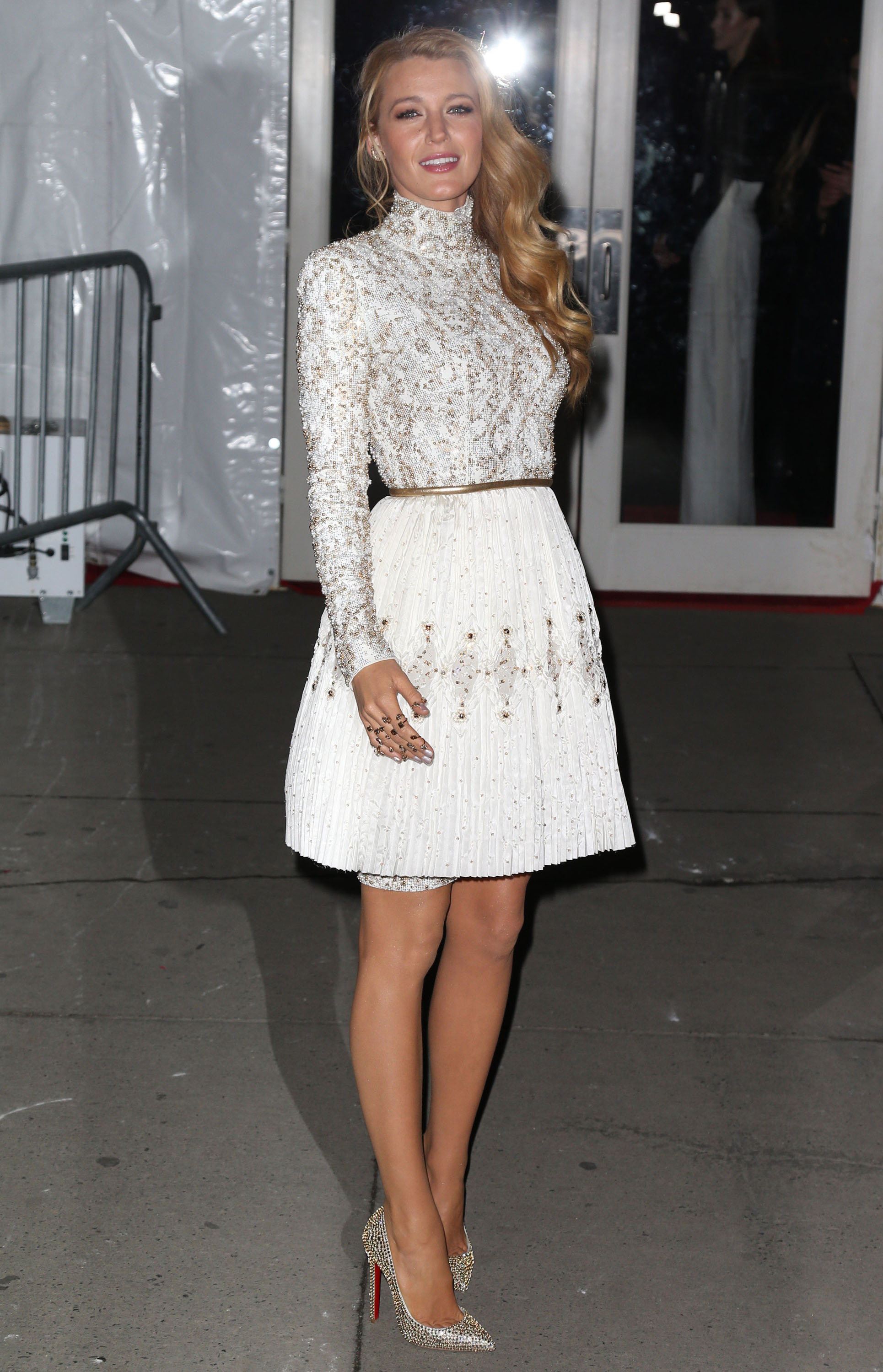 amfAR Scrolldown Fug: Blake Lively in Chanel