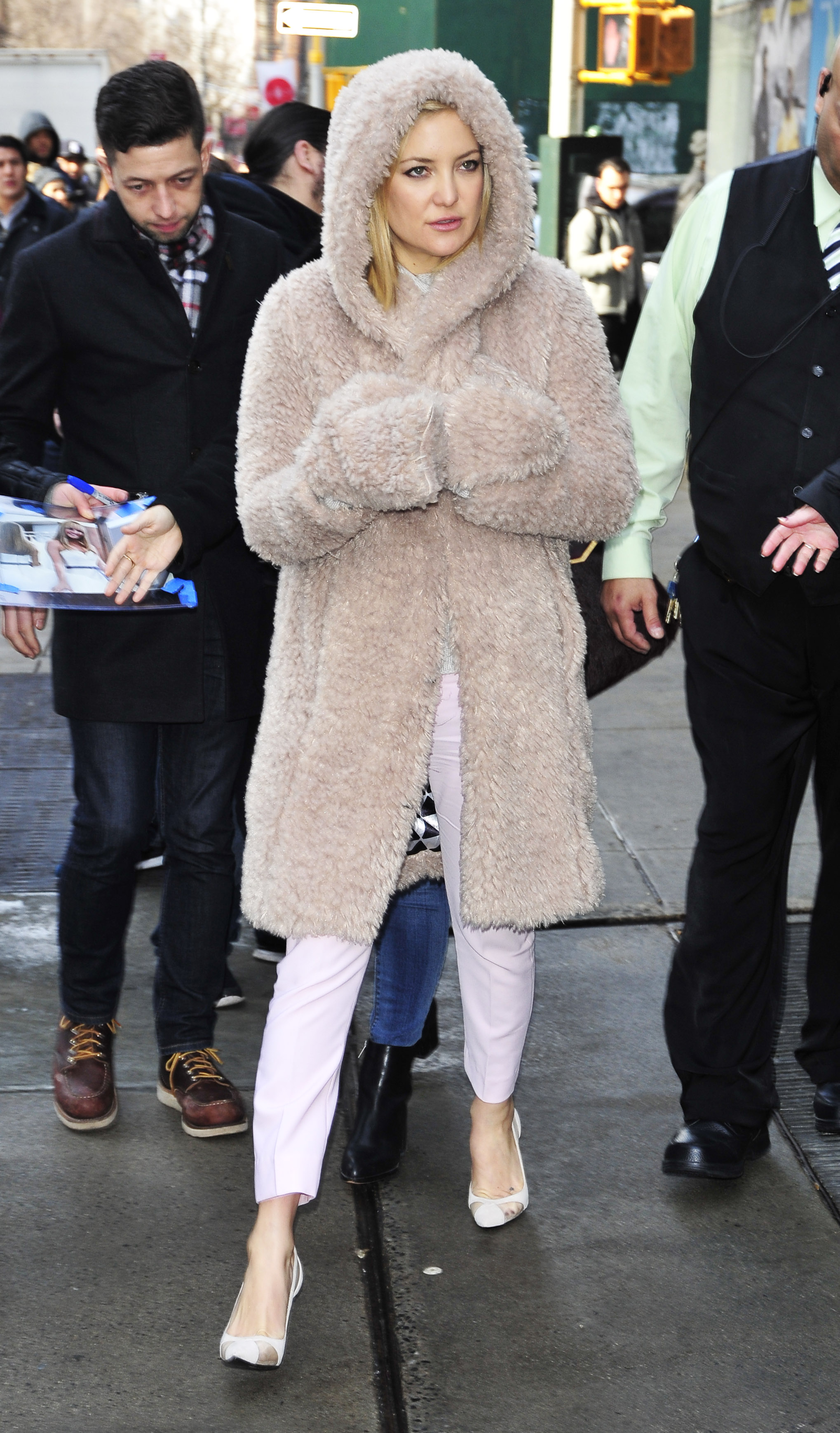 Fugs and Mostly Fabs: The Coats of Kate Hudson