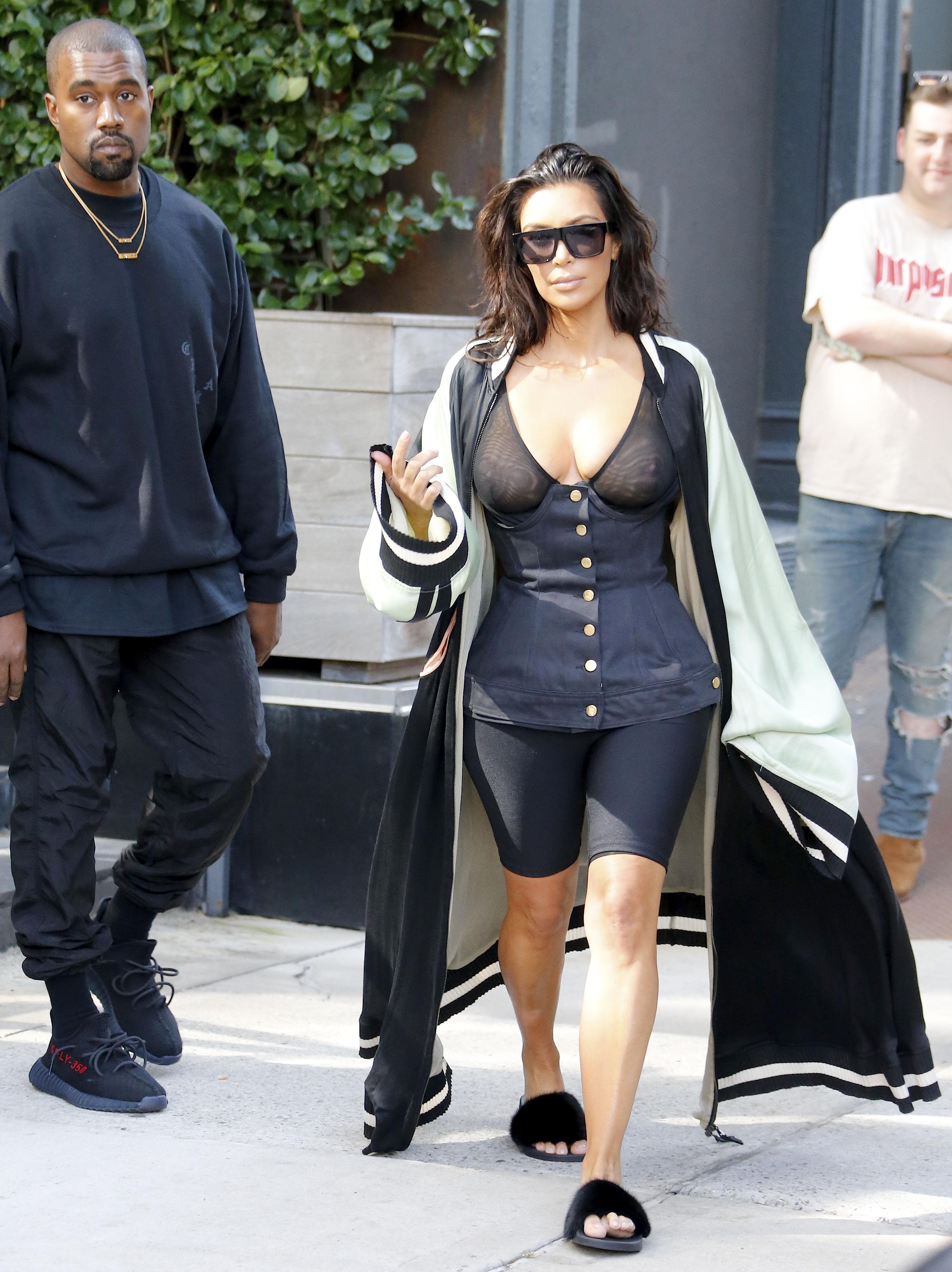 What the Fug: Kim Kardashian In Some Wretched Piece of Sludge or Other