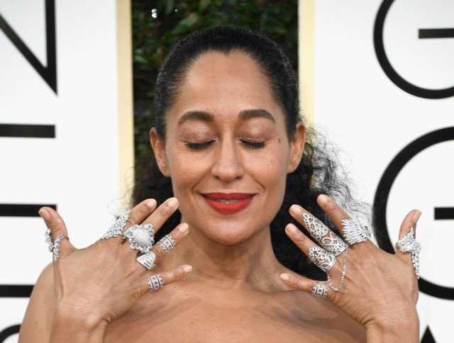 Golden Globes 2017 Tracee Ellis Ross Left Nary A Naked Finger