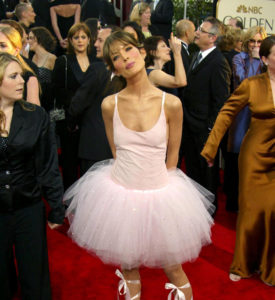 Lara Flynn Boyle Wore Her Infamous Ballerina Outfit to the 2003 Globes